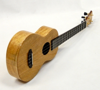 "THE REBEL ""DOUBLE CRÉME CL"" MANGO DLOUHÝ KRK KONCERTNÍ UKULELE"